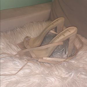 SIZE 8 LULUS NUDE TIE UP STRAPPY HEELS